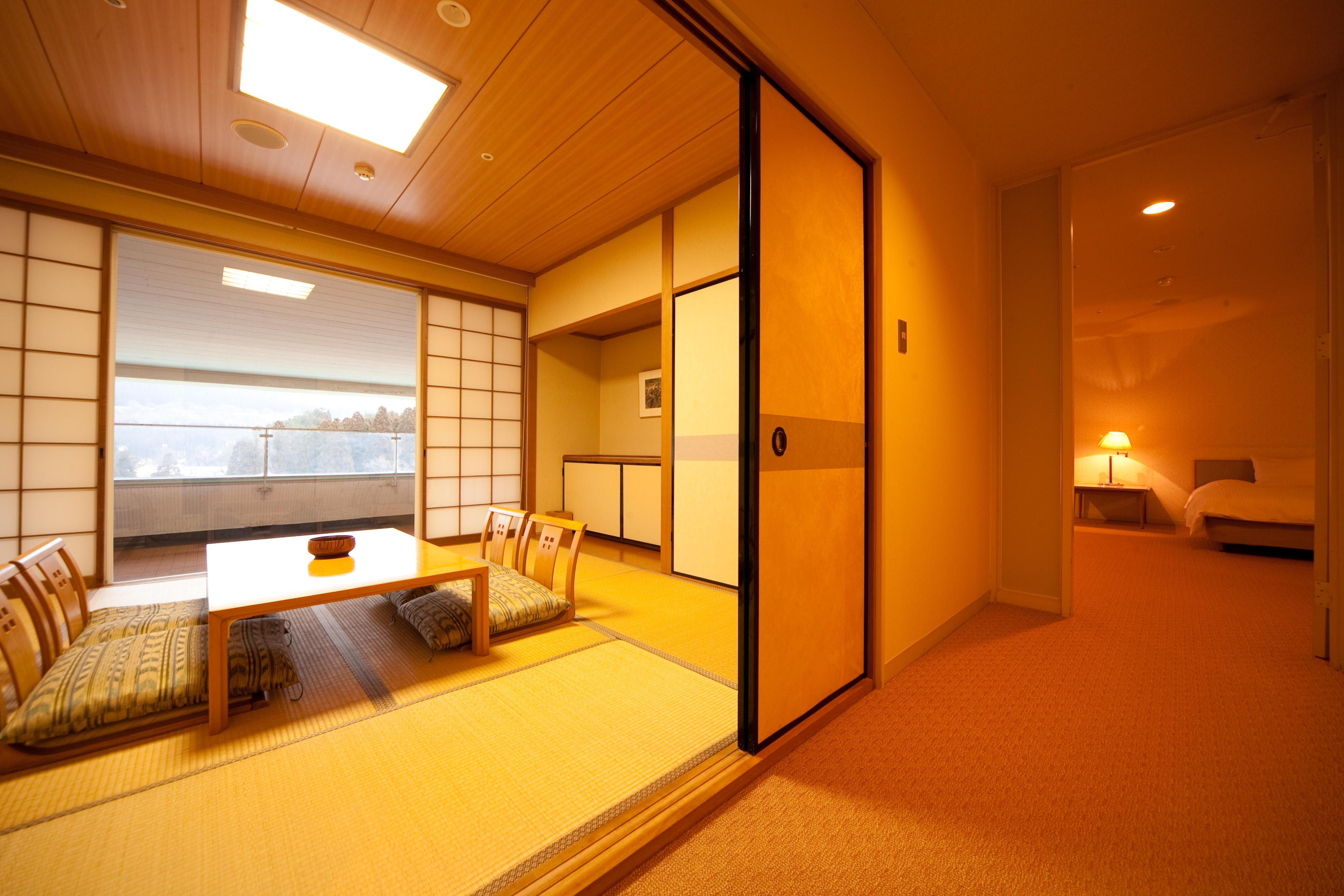 Western-Japanese style.jpg